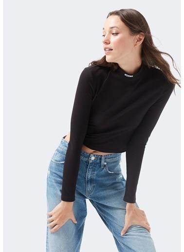 Mavi Mavi 1600596-900 Siyah Boğazlı Yaka Kadın T-Shirt Siyah